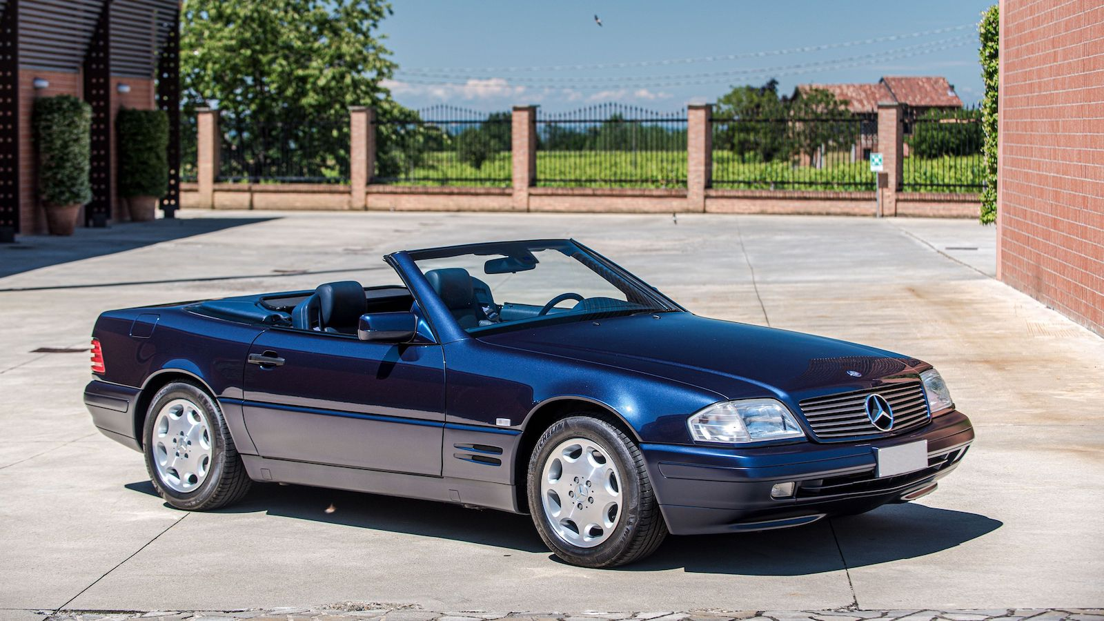 High price for 1997 Mercedes 500 SL in Monaco